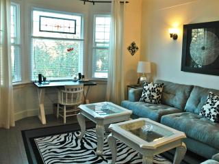 Dragonfly Cottage -Central Location, Country Charm - Victoria vacation rentals