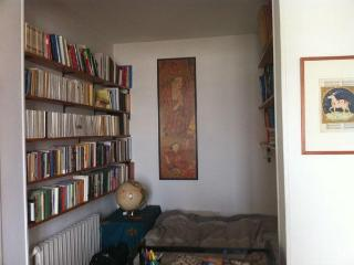 Authentic charm, views over all Paris, 3 rooms - Magny-le-Hongre vacation rentals