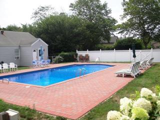 3 Bdrm Southampton Village House With Heated Pool. - Southampton vacation rentals