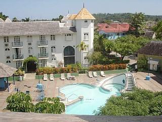 Casa Bonita: 2 br penthouse in Ocho Rios, Jamaica - Ocho Rios vacation rentals