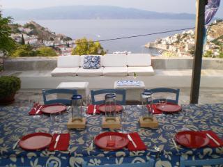 Bright 4 bedroom Hydra Villa with Internet Access - Hydra vacation rentals