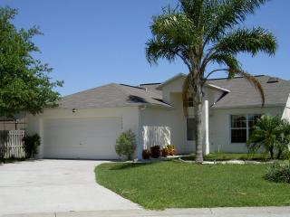 Pool, Palms and Privacy close to Disney - Clermont vacation rentals