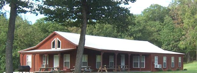 Lake Fort Smith Frontier Lodge - Lake Fort Smith Frontier Lodge - Mountainburg - rentals