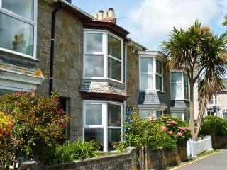MERMAID COTTAGE, pet friendly, with a garden in Newlyn, Ref 7441 - Cornwall vacation rentals