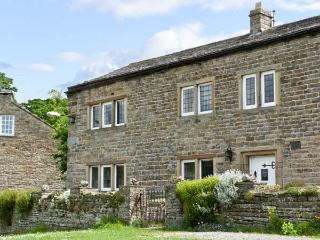 END HOUSE, pet friendly, character holiday cottage, with a garden in West Burton, Ref 5279 - West Burton vacation rentals