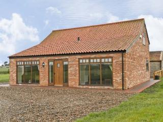 OWL COTTAGE, family friendly, character holiday cottage, with a garden in Hedon, Ref 6466 - Hedon vacation rentals