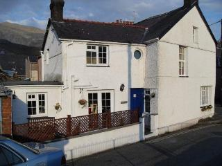 3 bedroom characterful house in heart of Snowdonia - Snowdonia National Park Area vacation rentals