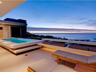 Spectacular Sea View Aquatic Villa, Walk to Beach - Camps Bay vacation rentals