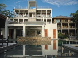 Xbalanque Resort   West Bay Roatan - West Bay vacation rentals
