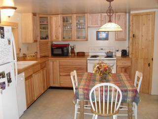 Cozy 2 bedroom Cabin in Helena - Helena vacation rentals