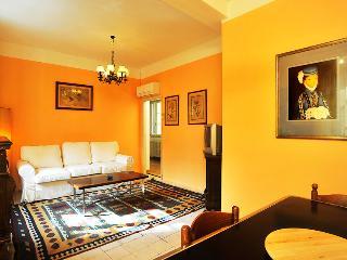 Bright 3rd Floor Apartment Rental with 3 Bedrooms - Lastra a Signa vacation rentals