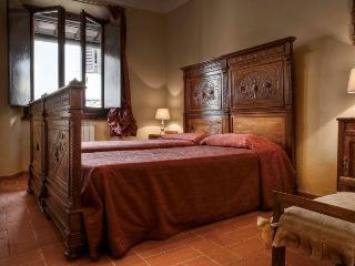 Santa Croce Studiolo 2 bd - Florence vacation rentals