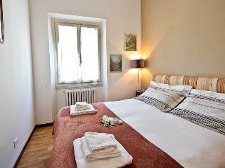 Luminous 1 Bedroom in the Heart of Florence - Florence vacation rentals