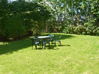 PALM VIEW, family friendly, with WiFi and garden in Ballyheigue, County Kerry, Ref 4658 - Cloghane vacation rentals