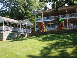 Lake Front Paradise on Beaver Lake, Eureka Springs - Eureka Springs vacation rentals