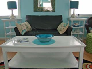 Living Room - Sea Glass Apartment - Lincolnville - rentals