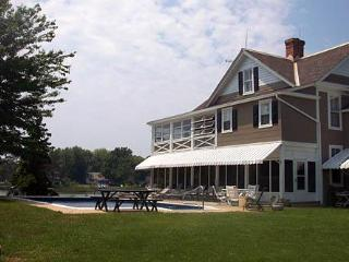 Beautiful House with Deck and Internet Access - Bozman vacation rentals