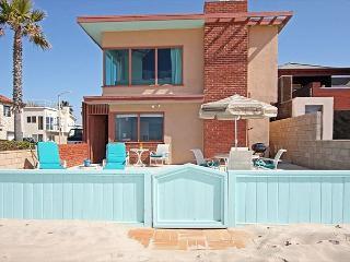 Spacious Oceanfront Single Family Home! Fantastic Ocean Views! (68210) - Newport Beach vacation rentals