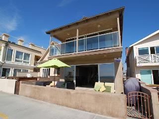Huge 6 Bedroom Single Family Oceanfront Home! (68196) - Newport Beach vacation rentals