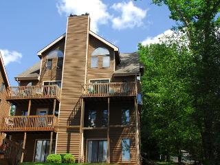 Hartwood Village #05 - McHenry vacation rentals