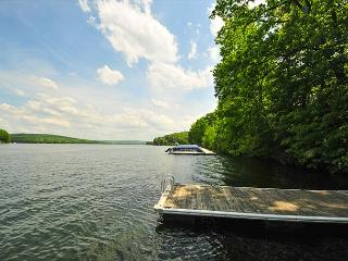 Gorgeous 7 Bedroom Central-Lake w/Dock Slip; Beautiful Sunrises from the Deck - Oakland vacation rentals