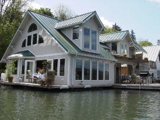 Floating Home Vacation Rental - Portland vacation rentals