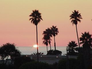 Ocean View Cottage w/Private Yard & sunset views!! - Encinitas vacation rentals