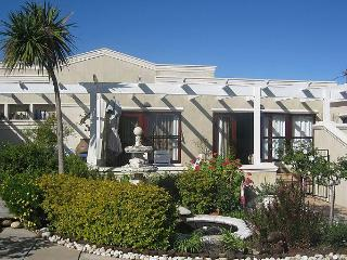 Selfcatering Cottage La Provence for 6, Cape Town - Constantia vacation rentals