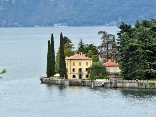 Luxury Villa on Lake Como with Pool near Bellagio  - Villa Lecco - San Siro vacation rentals