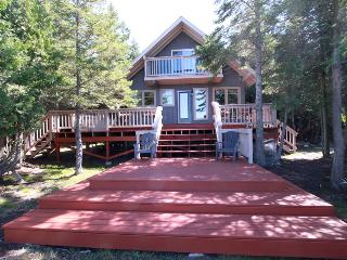 Lovely Lions Head Cottage rental with Deck - Lions Head vacation rentals