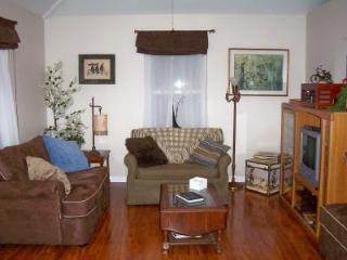 Cycler's Rest Cottage - Leiper's Fork - Franklin -Nashville - Leiper's Fork vacation rentals