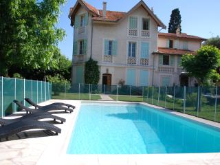 Gorgeous apartments in house with swimming pool - Antibes vacation rentals