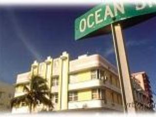 Ocean Drive! South Beach Art Deco Building - Miami Beach vacation rentals