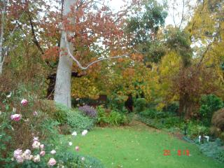Hosted self contained apartments in Perth hills - Perth vacation rentals