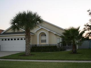 HONEYPOT Villa 4bd 3bth 7 mn to Disney SW Prv Pool - Kissimmee vacation rentals