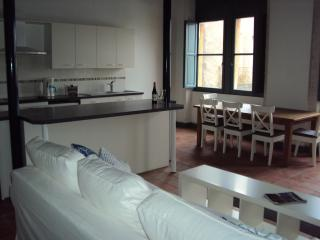 3 bedroom apartment in historic Agde, South France - Agde vacation rentals