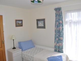 Comfortable House with Toaster and Books in Lahinch - Lahinch vacation rentals