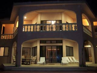 Beautiful 4 bedroom beachfront home with pool on Tankah Bay. - Tankah vacation rentals
