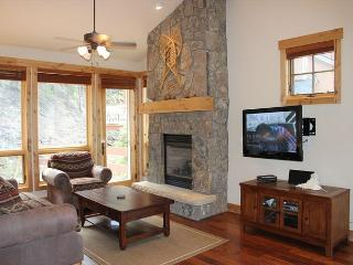 SC6511 Superb Townhouse w/Fireplace, Clubhouse, Wifi, Garage, Shuttle - Keystone vacation rentals