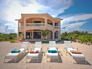 Beautiful 4 bedroom beachfront home with pool on Tankah Bay. - Quintana Roo vacation rentals