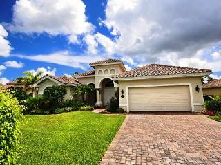 Nice House with Dishwasher and A/C - Naples vacation rentals