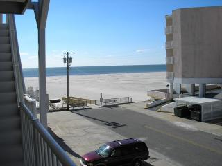 2BR Condo in Oceanfront Summer Sands - Wildwood Crest vacation rentals