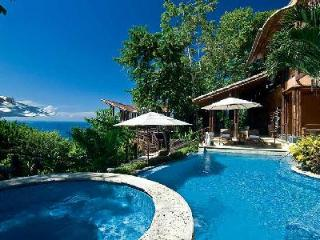 Casa Ramon offers a fusion of tropical and contemporary design, pool, alfresco gym & butler - Puntarenas vacation rentals
