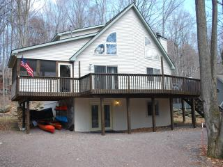 Book a summer week by end of April save $100 - Lake Ariel vacation rentals