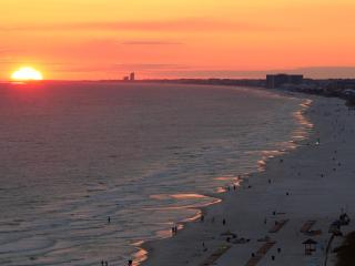 #1 Luxurious, Modern, Condo In PCB. Book It Now! - Panama City Beach vacation rentals