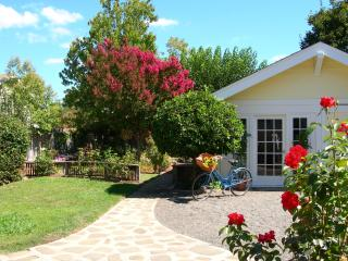 Napa San Souci - Location! Private Yard & Gardens - Napa vacation rentals