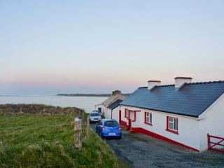CLOONAGH COTTAGE, with open fire in Grange, County Sligo, Ref 8484 - Cliffoney vacation rentals