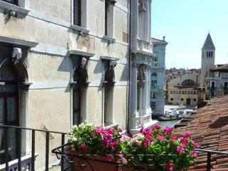 Perfect Venice Canal Views-Balcony-Less Touristy - Venice vacation rentals