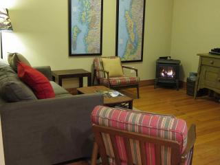 Wood Street Guest House // 1 bedroom // Sleeps 4 - Forks vacation rentals