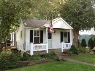 Perfect Cottage with Deck and A/C - South Bristol vacation rentals